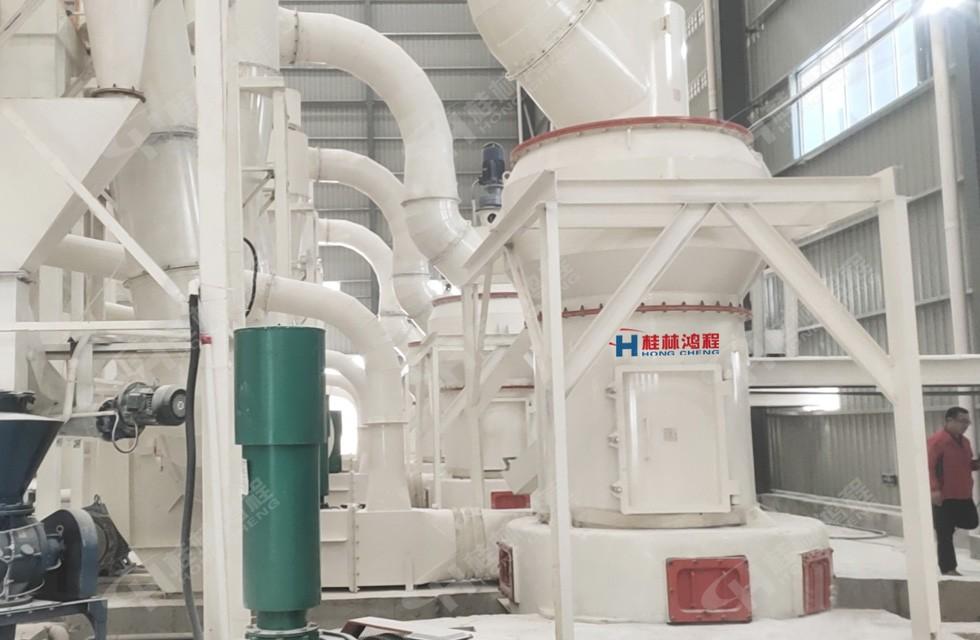 大理石磨粉生产线图片:hcq1500雷蒙磨助力贺州人造大理石客户生产325目碳酸钙粉
