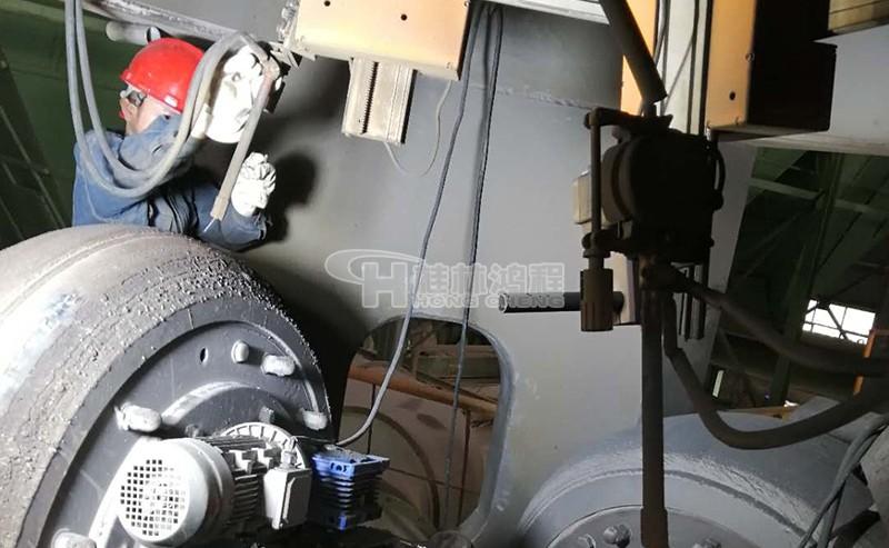 立磨磨辊在线堆焊修复